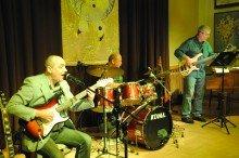 2015-03-08 koncert_trio_laboratoyrum (28)