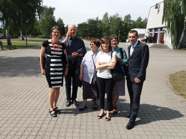 (od lewej) Bogusława Sieroszewska, Mariusz Dzierżawski, Maria Bienkiewicz, Karolina, pielęgniarka z Bydgoszczy, Maria Marcheewka z Marek, Szymon Grzybowski - lekarz z Bydgoszc