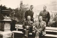 13 Zdjęcie Franciszek i George Whitehead z Wedlami