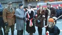 Marsz Niepodległości malarz i rzeźbiarz Jerzy Nowicki z grupą rekonstrukcyjną Mściciela