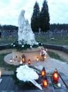 Gróg Dziecka Utraconego na cmentarzu w Markach