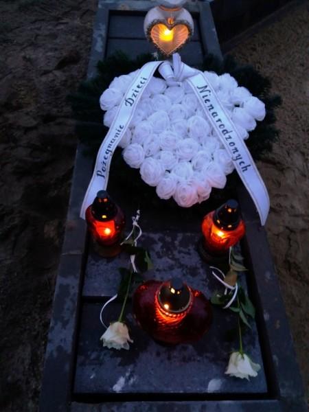 Pierwszy grób Dzieci Utraconych w Markach 28 grudnia 2017