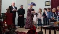 Piosenka o Markach w Domu Katolickim