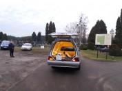 Zakład Pogrzebowy Styks transportuje trumnę z 29 Dziećmi Utraconymi