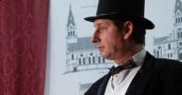 w roli Alfreda Briggsa wystąpił Tomasz Paciorek (2)
