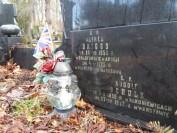 Zapalenie znicza na grobie Alfreda Briggsa z okazji 93. rocznicy śmierci