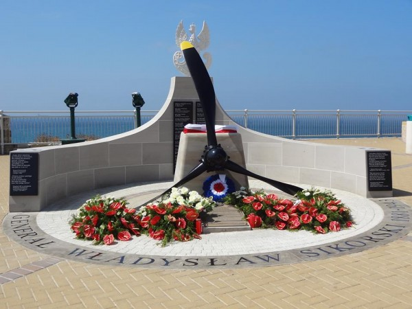 Sikorski_Memorial_Gibraltar_July_2013