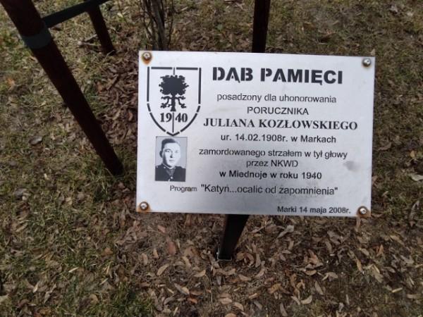 Dąb Pamięci por Juliana Kozłowskiego