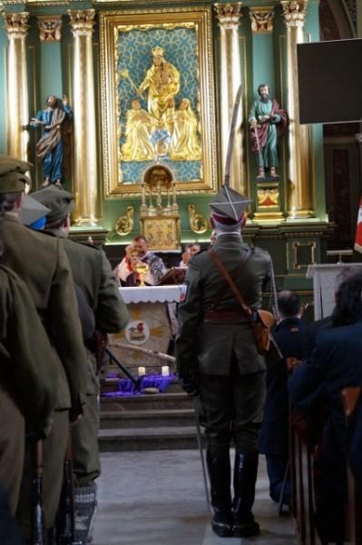 kościół św Apostołów ilipa i Jakuba w Osielcu